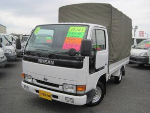 camion bâché NISSAN Atlas
