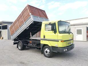 camion-benne NISSAN L70.88 RIB. TRILATERALE 70 Qli. Patente C