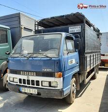 camion bétaillère BEDFORD NKR 575/60
