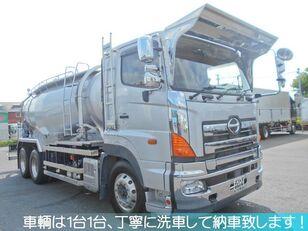 camion-citerne de ciment HINO PROFIA