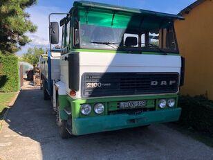 camion plateau DAF FA 2100