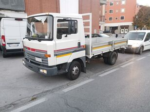 camion plateau NISSAN L50.09 Cassone Fisso 50 qli - Patente C !!!